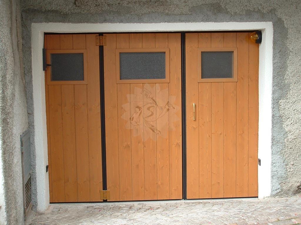 Portone garage a libro falegnameria pojer - Porte chiusura a libro ...