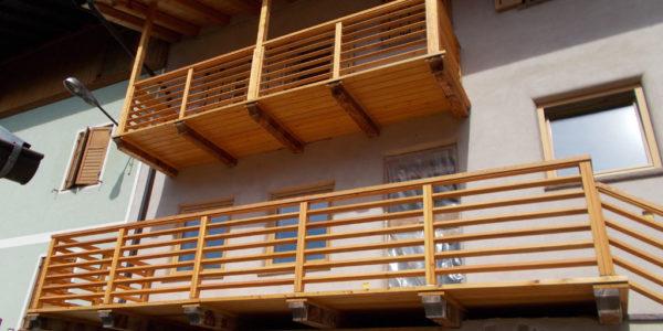 balconi-in-larice-naturale-1