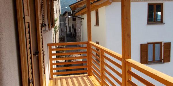 balconi-in-larice-naturale-4