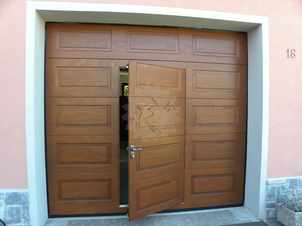 Portone garage sezionale falegnameria pojer - Porta garage sezionale prezzi ...