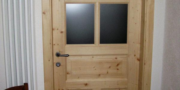 porta-int-classica-in-abete-con-vetri