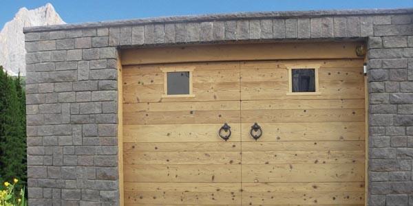 portone-garage-abete-termo-asciato-600x300