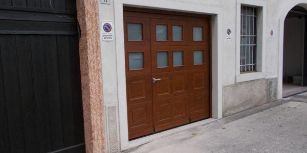 portone-sezionale-con-porta-pedonale-1