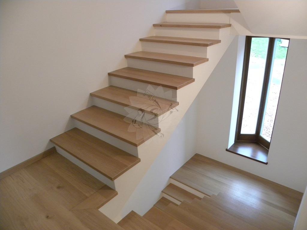 Complementi d 39 arredo interno ed esterno - Rivestire scale interne ...